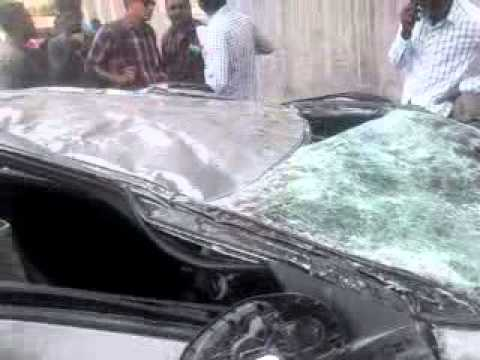 Accident on Ahmedabad baroda road car fall down