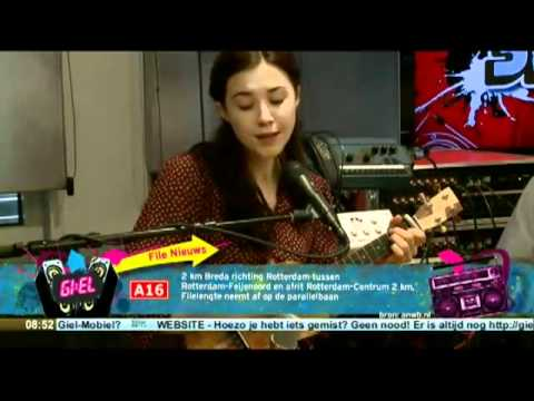 Lisa Hannigan - Somebody That I Used To Know (Live on 3FM)