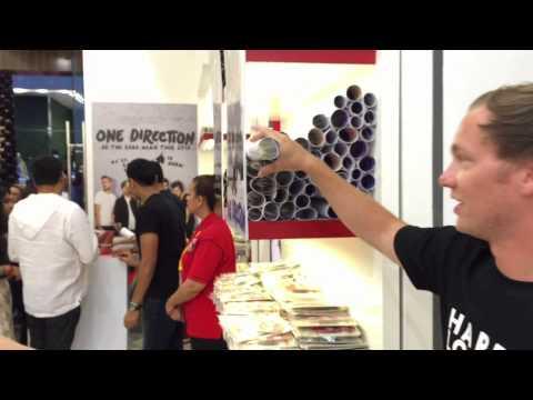 Myles Visits 1D World Pop Up Shop @ The Dubai Mall!