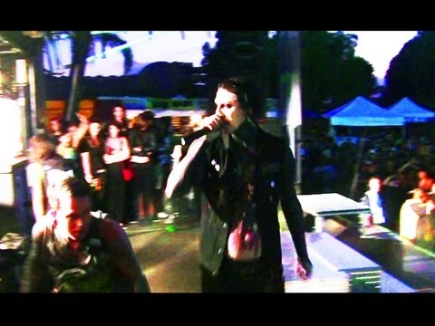 Motionless In White LOVES BryanStars!! Warped Tour Interview & Behind The Scenes 2012