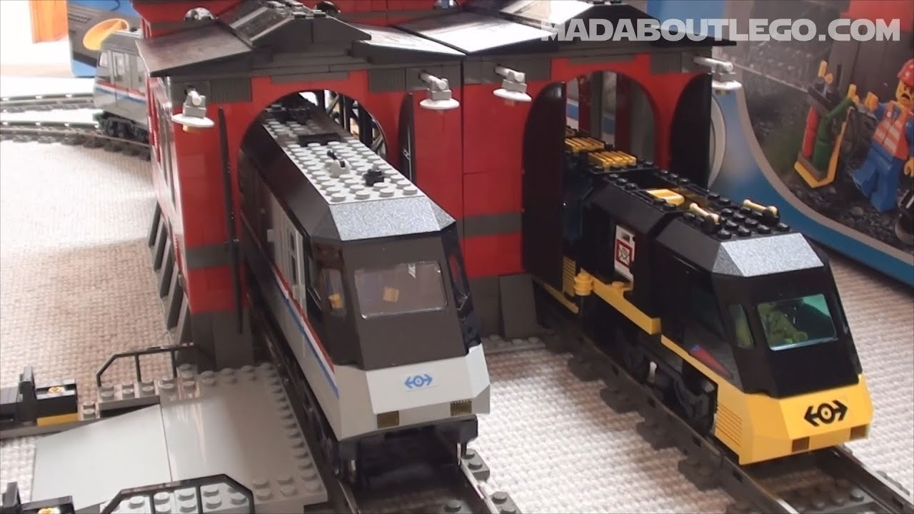 LEGO TRAIN ENGINE SHED 10027 - YouTube