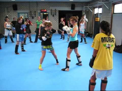Muay-thai training Belgium 'Only Girls' Image 1