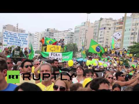 Brazil: 'Dilma - out!' Thousands protest against govt in Rio