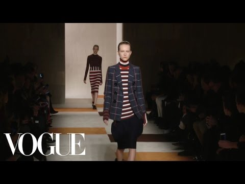 Victoria Beckham Fall 2016 Ready-to-Wear | New York Fashion Week