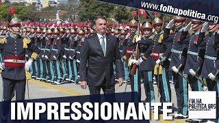 Bolsonaro marcha ao lado de General Heleno e de ministro da Defesa e presencia ceri..