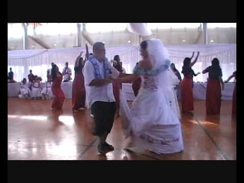 Cool as Samoan wedding bridal party dance