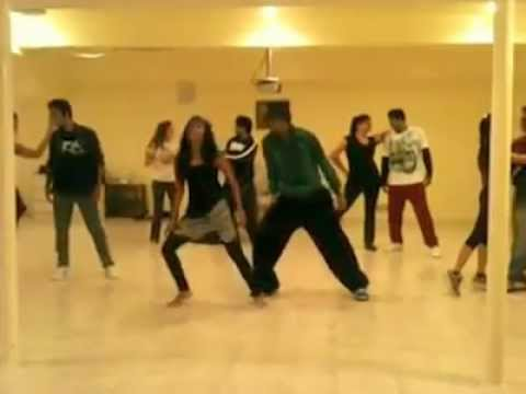 In Aankhon Ki Masti Awesome Dance video