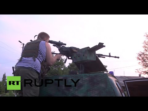 Video: Heavily armed militia on patrol in Gorlovka, E.Ukraine