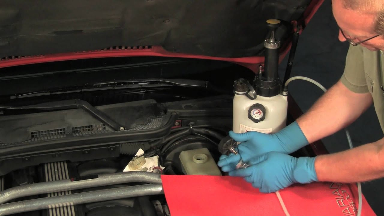 Changing The Brake Fluid In A Bmw Or Mini Youtube