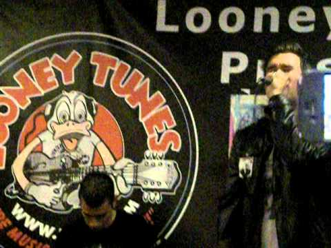 New Found Glory - Eyesore (Acoustic) @ Looney Tunes) 9-22-11