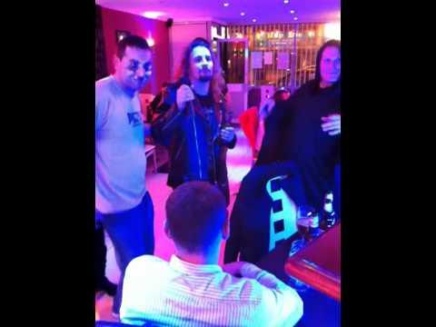 W Restauracji U Laury - Polskie Karaoke
