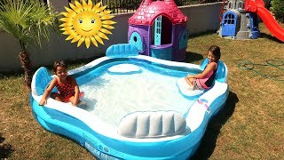 Elif Öykü ve Masal Bahçeye Dev Havuz Kurdu! Kids Pretend Play Giant Inflatable Swimming Pool