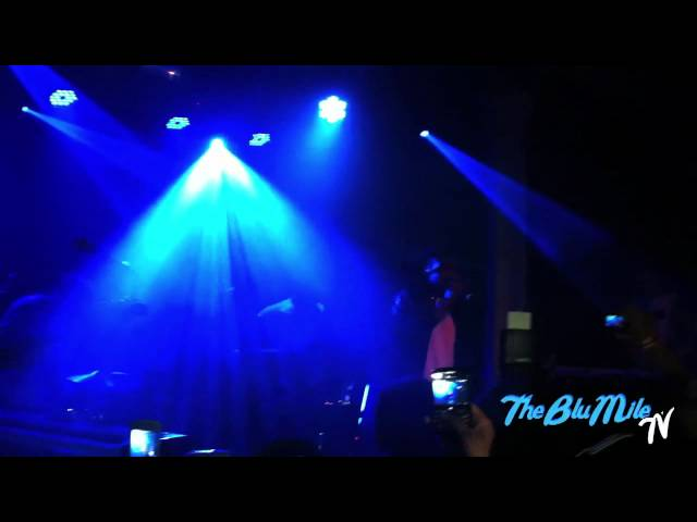 TheBluMile | Childish Gambino performs tracks of R O Y A L T Y/CAMP in London
