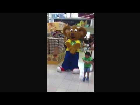 Kai's The Little Entertainer! video