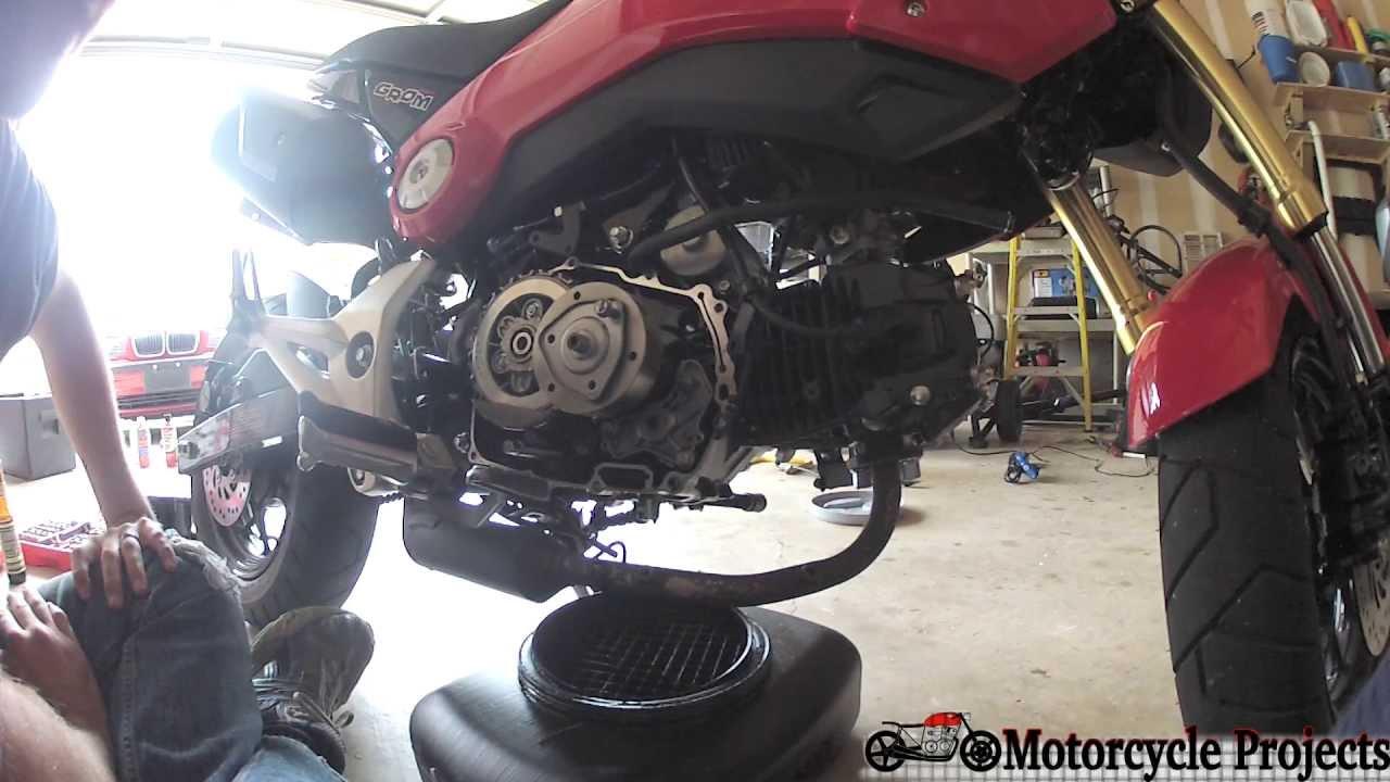 Oil Change Service >> 2014 Honda Grom Oil Service (Filter/Spinner Cleaning) - YouTube
