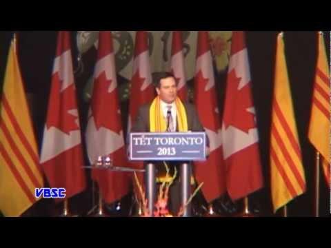 Thủ Tướng Canada Stephen Harper Thăm Hội Chợ Tết 2013.mpg