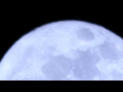 Canon EOS Rebel T3i Digital Zoom Video Test #2: Supermoon