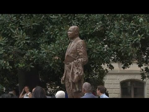 New Martin Luther King Jr. statue unveiled at state capitol