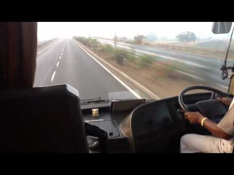 Volvo B9r - High Speeds On Mumbai Pune Expressway video