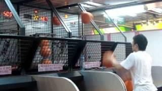 INSANE basketball player at arcade