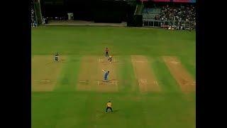 Dhoni and Yuvraj batting Vs SouthAfrica at Wankhede Stadium