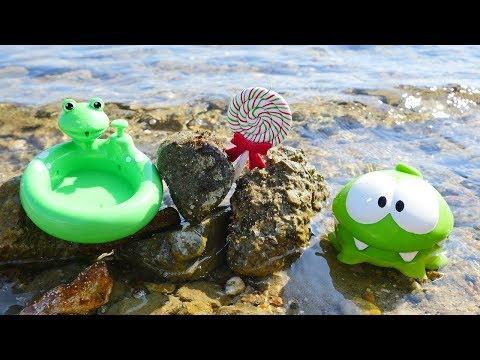 Om Nom en español. Juegos en la playa. Vídeos chistosos.