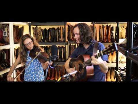 Mandolin Orange - The Runaround