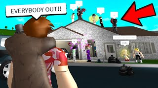 I Left My Home.. And I Came Back To A HUGE PARTY.. (Roblox)