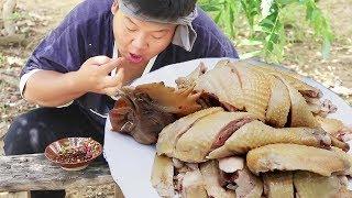 Royal chef secretly cut white chicken, 1 person eats 1