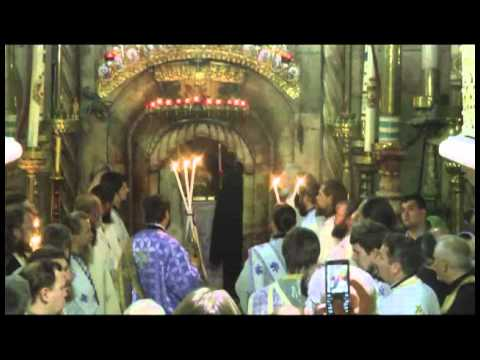20101106 Jerusalem. Church of the Holy Sepulcher. Night service at the Tomb of Jesus.mp4