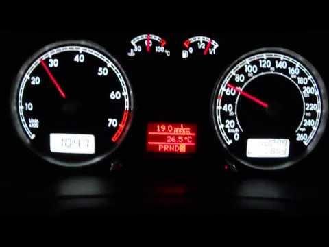VW Jetta Clasico 2013 2.0 Tiptronic Drive vs Sport