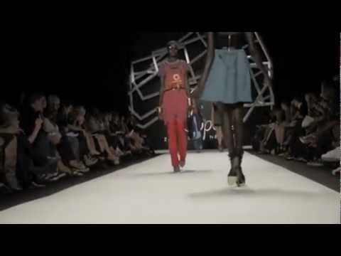Fashion Show Fail Compilation Top Models Fail Compilation
