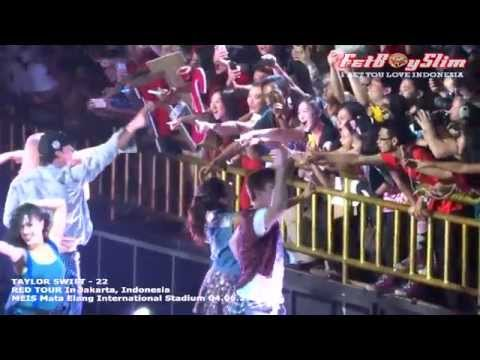 Taylor Swift - 22 ( Down To Audience ) Live In Jakarta, Indonesia 2014 video