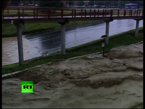 Video of severe flood in Monterrey as Hurricane Alex hits Mexico