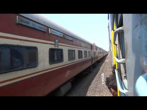 22475 BIKANER-COIMBATORE ICF AC SUPERFAST CROSSING 22907 MADGAON-HAPA SUPERFAST KONKAN RAILWAY