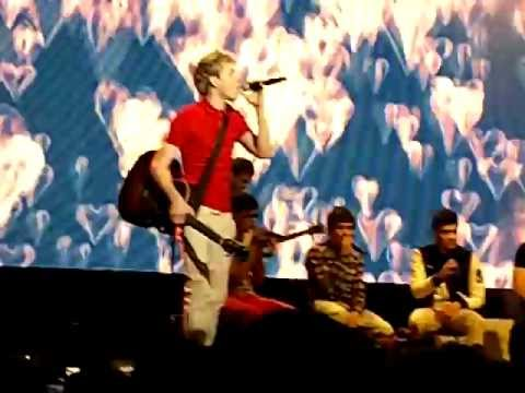 One Direction I Got A Feeling And My Hearts A Stereo (live At Brighton) video
