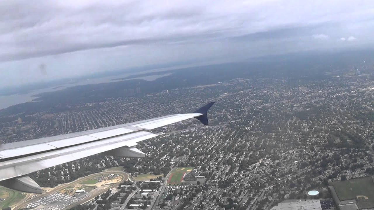 Delta air lines airbus a320 landing new york laguardia for Spirit airlines new york