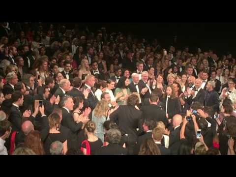 You Were Never Really Here - Cannes Standing Ovation - Lynne Ramsay & Joaquin Phoenix (May 2017)