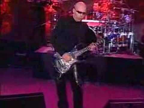 Joe Satriani - The Mystical Potato Head Groove Thing (Live)