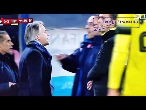 """Roberto Mancini Contro Maurizio Sarri """"SARRI È UN RAZZISTA, MI HA DATO DEL FROCIO E DEL FINOCCHIO"""""""
