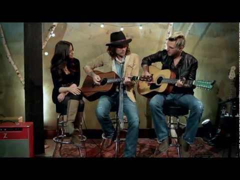 Gloriana - (Kissed You) Good Night - Acoustic Valentine's Day Version Music Videos