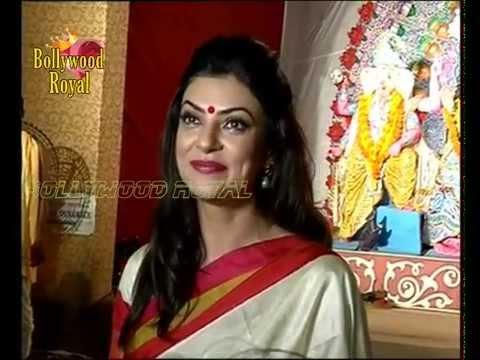 Beautiful Sushmita Sen Comes For Durga Puja 2014 Part 2 video