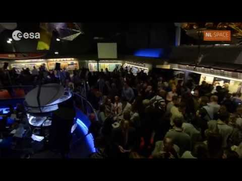 ESA's technical heart celebrates Rosetta's Philae landing