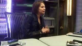 Arrow On Set: Willa Holland Interview