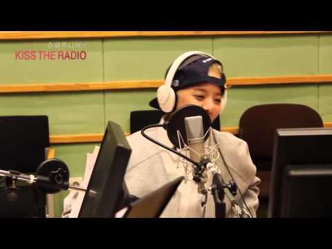 (Arabic Sub) 150212 KBS Kiss The Radio f(x) Amber and Victoria