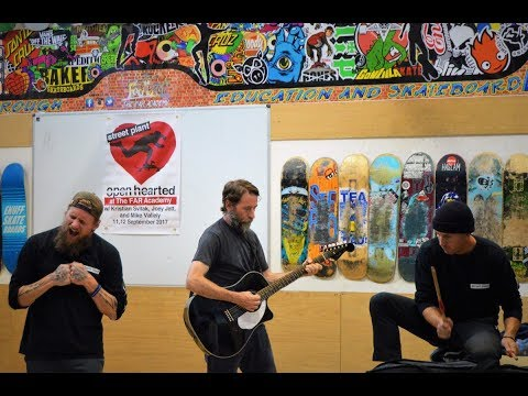 Mike Vallely & The New Arms: Run Rabbit Run - Live / Acoustic (2017)