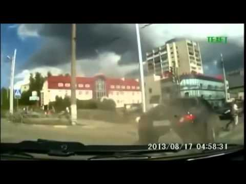 WOW Crazy CLOSE CALL Caught on Dash Cam!