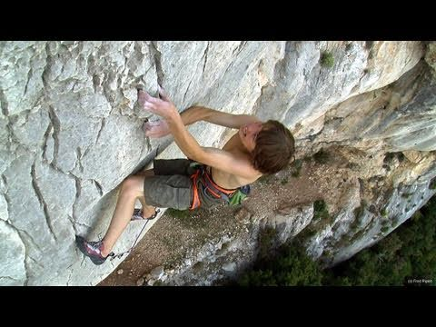 Petzl athlete Enzo Oddo sends