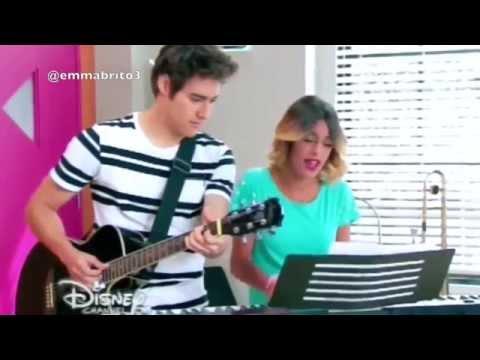"""León y Violetta cantan juntos """"Abrázame y verás"""" (03x77)"""