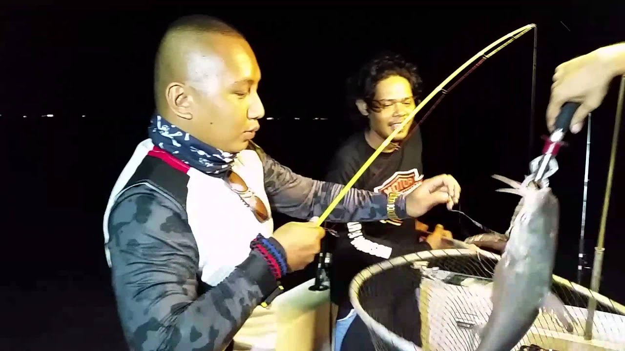 Fishing in singapore youtube for Fishing license for disabled person